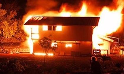 Say rượu bị vợ cằn nhằn, chồng phóng hỏa đốt nhà khiến cả gia đình 4 người bỏng nặng nguy kịch ngày giáp Tết