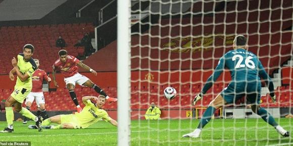 Thắng thuyết phục Newcastle, Man United mạnh mẽ về ngôi nhì bảng - Ảnh 3.