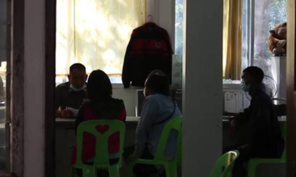 Thầy giáo bị tố xâm hại 16 em học sinh lớp 3, tình tiết cụ thể khiến các phụ huynh khóc ngất đau đớn