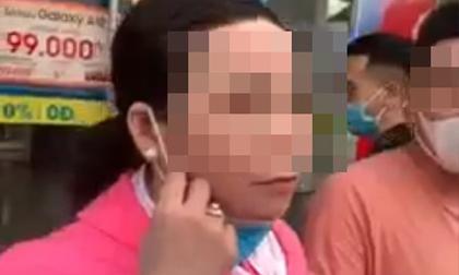 Bị bắt quả tang khi trộm đồ, người phụ nữ đeo vàng đầy tay thừa nhận: 'Chị xin lỗi em, được chưa?'