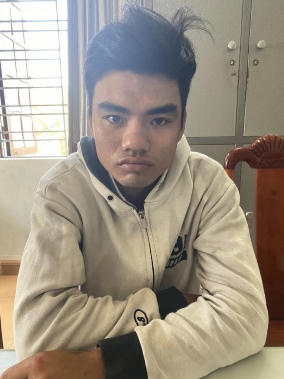 Kẻ đâm 1 phụ nữ ở Quảng Nam nguy kịch từng bóp cổ, cướp tiền cụ bà 83 tuổi - Ảnh 1.