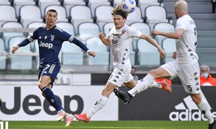 Ronaldo bất lực, Juventus thua sốc ngay trên sân nhà