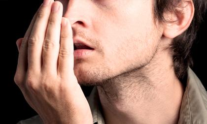 Miệng bốc mùi kéo dài gần nửa năm, người đàn ông đến bệnh viện khám mới biết bị ung thư giai đoạn 2