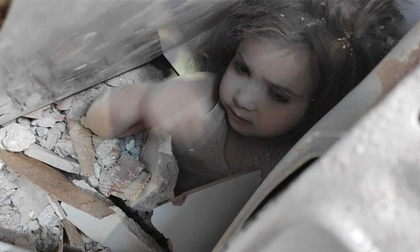 Bé gái 3 tuổi sống sót thần kỳ sau 91 giờ bị vùi lấp bởi trận động đất kinh hoàng giờ ra sao?