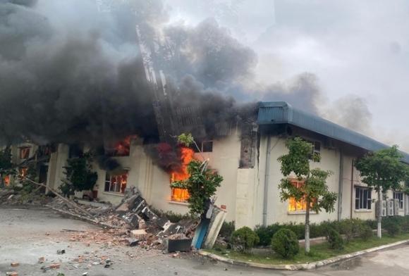 Cháy lớn thiêu rụi nhà xưởng công ty may xuất khẩu quy mô lớn