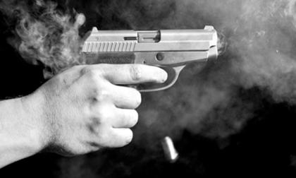 Mâu thuẫn tại tiệc cưới, người đàn ông nổ súng bắn chết khách cùng bàn