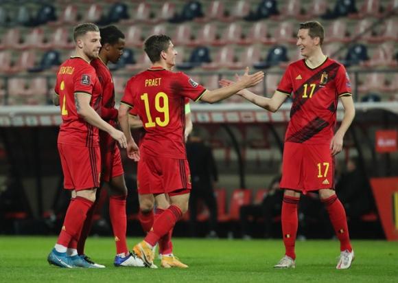 Bỉ, Hà Lan dội mưa 15 bàn, thắng đậm vòng loại World Cup - Ảnh 1.