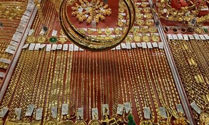 Giá vàng hôm nay 2-4: Tiếp tục leo thang dù các quỹ đầu tư bán 3,6 tấn vàng