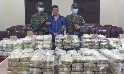 Chặn bắt ô tô chở gần 230 kg ma túy trên đường về Hà Nội