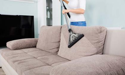 Mách bạn cách giặt ghế sofa vải tại nhà đơn giản – hiệu quả
