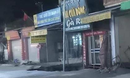 Hà Nội: Xuất hiện 'hố tử thần' rộng 30m2 trước cửa nhà dân, 20 hộ dân phải sơ tán
