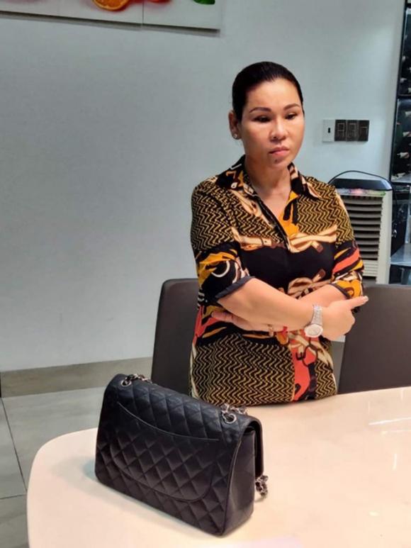 Vợ diễn viên Kinh Quốc vừa bị bắt: Là đại gia có tiếng, tặng chồng xe hơi 6 tỷ đồng - Ảnh 1.