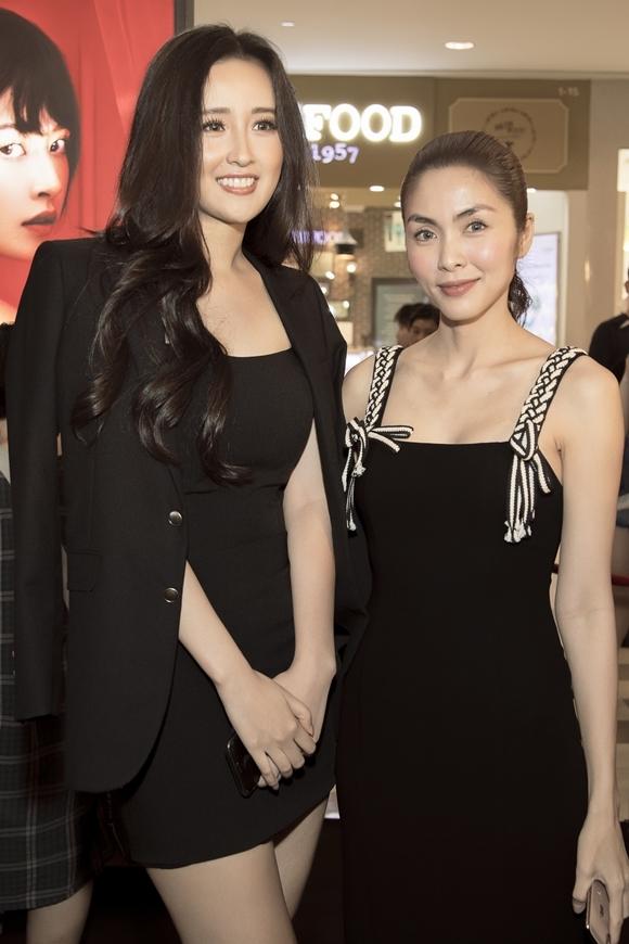 Hà Tăng khi chung khung hình với dàn Hoa hậu: Makeup đậm hay nhạt cũng không