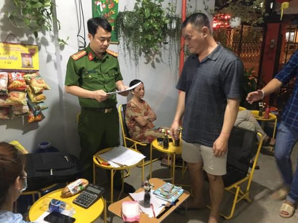 Nhiều tổ trinh sát đồng loạt ập vào nhiều nơi, phá đường dây lô đề hơn 500 tỷ đồng ở Sài Gòn - Ảnh 1.