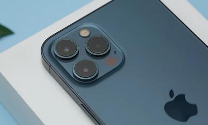Giá điện thoại Vsmart 'bốc hơi' cả triệu, iPhone 12 Pro Max khó bỏ qua trong dịp lễ