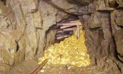 Lão nông tìm thấy 50kg vàng trong khe núi: Tưởng vừa phát tài ngờ đâu lại phải ngồi tù!