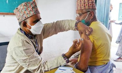 Làn sóng Covid-19 dâng cao, 'hàng xóm' của Ấn Độ phá kỷ lục: Xác nhận 5.763 ca nhiễm Covid-19/ngày