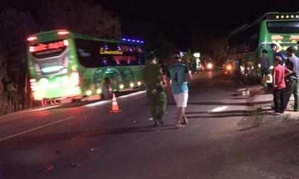 Va chạm giữa xe khách và xe đạp, 2 học sinh thương vong