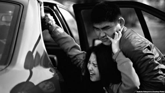 Án mạng cô dâu bị bắt cóc: Vụ giết người kinh hoàng phơi bày thực tiễn khinh nữ nguy hiểm của cả một đất nước - Ảnh 1.