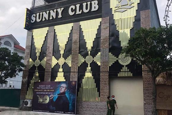 Người tung clip nóng khiêu dâm giả mạo bar Sunny, người đi xin clip để