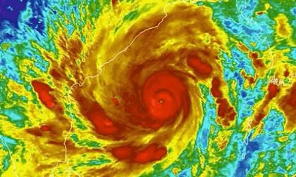 'Đòn kép khủng khiếp' tấn công Ấn Độ: 'Cơn bão quái vật' Tauktae khiến 200.000 người sơ tán trong đại dịch