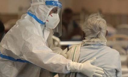 Chỉ sau 2 tháng bùng phát dịch, ít nhất 420 bác sĩ Ấn Độ đã tử vong vì Covid-19