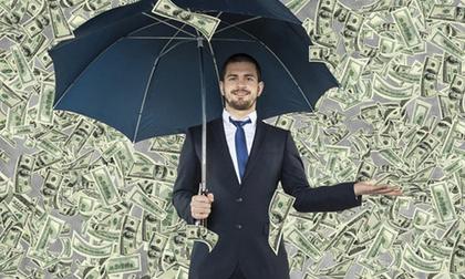Tại sao người nghèo thích 'giả vờ' hào phóng, còn người giàu lại thản nhiên bàn chuyện tiền bạc?