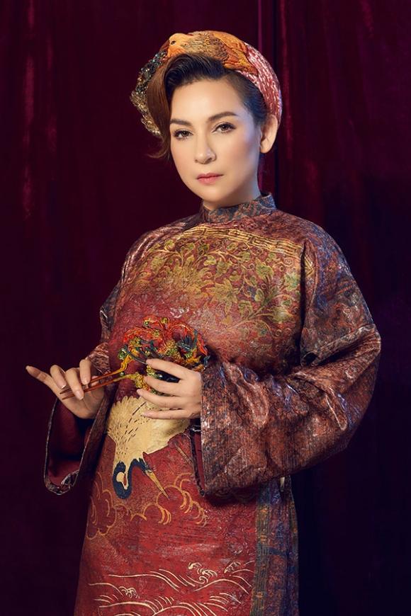Phi Nhung lên tiếng chuyện bỏ rơi con gái ruột và mối quan hệ thực với Hoài Linh - Ảnh 1.