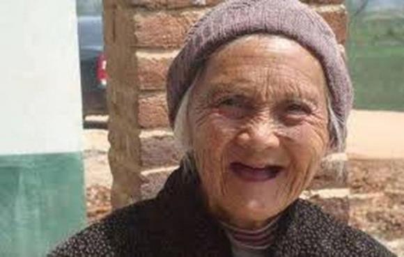 Không phải tập thể dục nhiều, đây mới là bí quyết giúp cụ bà 107 tuổi trẻ như 67