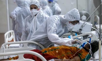 'Địa ngục COVID-19' Ấn Độ: Lộ video lãnh đạo bệnh viện tuyên bố ngắt bình oxy của người chưa chết