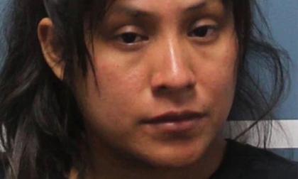 Bị mẹ bỏ quên trong ô tô nóng tới 60 độ C, bé gái 3 tuổi chết thảm