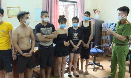 Gần 40 nam nữ tổ chức 'bay lắc' giữa mùa dịch bị công an tóm gọn