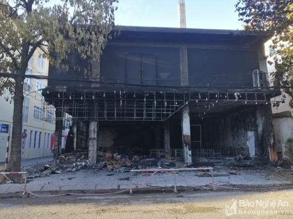Nghệ An: Hiện trường vụ cháy kinh hoàng khiến 6 người tử vong - Ảnh 5.