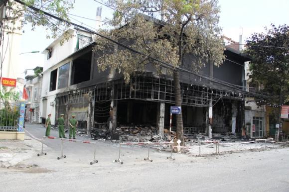 Vụ cháy 6 người chết ở Nghệ An xảy ra như thế nào qua lời kể của những nhân chứng đầu tiên tới hiện trường? - Ảnh 1.