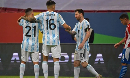 Argentina giành vé đi tiếp trong ngày Messi đạt cột mốc lịch sử