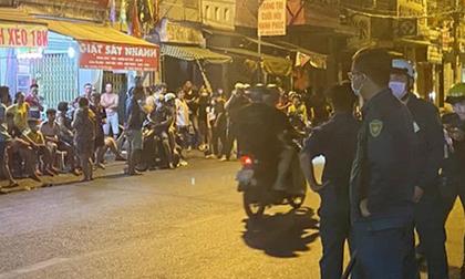 Con rể nợ tiền, bố vợ bị nhóm côn đồ lao vào nhà chém gây thương tích ở Sài Gòn