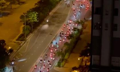 Hàng trăm 'quái xế' lại tổ chức đua xe gây náo loạn khi TP.HCM vừa tiếp tục áp dụng chỉ thị 10