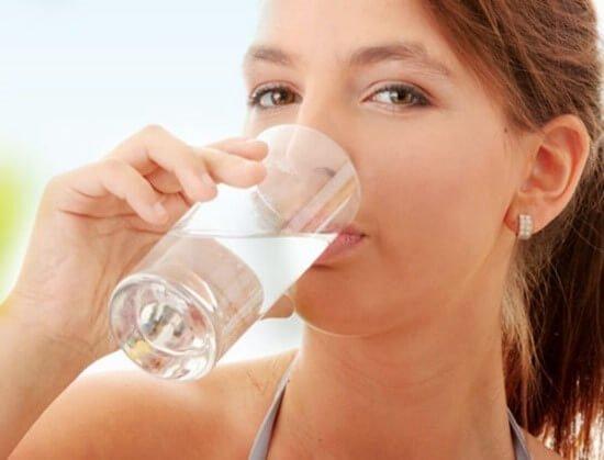 Thường xuyên cảm thấy khô cổ khát nước: Cảnh báo 4 căn bệnh nguy hiểm