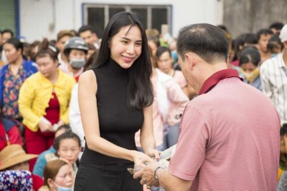 Thủy Tiên chạnh lòng khi bị chỉ trích việc từ thiện: 'Sân si sẽ sinh ra năng lượng xấu'