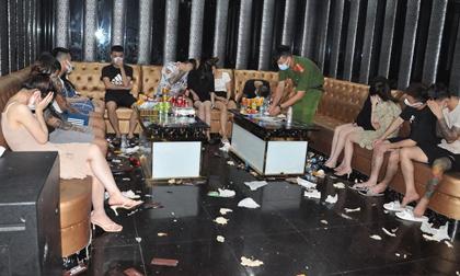 Quán karaoke Bad boy lén lút hoạt động, đón gần 50 nam thanh, nữ tú