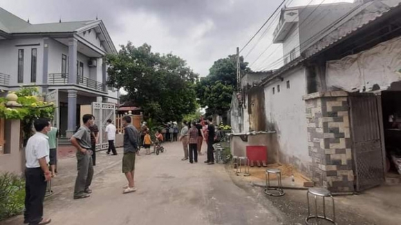 Vụ chém vợ chồng hàng xóm thương vong ở Bắc Giang: Con nạn nhân cũng bị truy sát nhưng thoát chết - Ảnh 2.