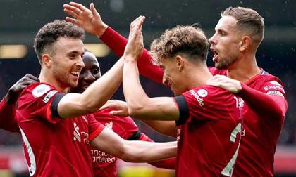 Salah 'tịt ngòi', Liverpool vẫn áp đảo toàn diện Burnley để leo lên ngôi đầu Premier League