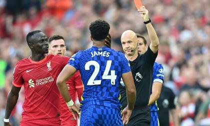 Lĩnh thẻ đỏ gây tranh cãi, Chelsea quật cường đứng vững trước 'cơn lốc đỏ' Liverpool