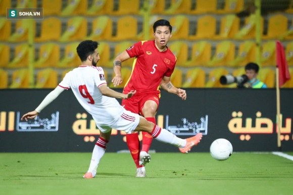 NÓNG: Văn Hậu phải mổ lại đầu gối, nguy cơ lỡ hẹn với tuyển Việt Nam ở vòng loại World Cup - Ảnh 2.