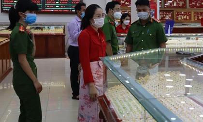 Nữ 'chúa nhẫn' trộm 2.380 nhẫn vàng ở Bình Phước bằng cách nào?