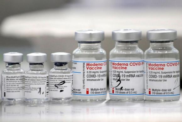 Vaccine Moderna tiếp tục đứng số 1 trong ba loại vaccine COVID-19 ở Mỹ - Ảnh 2.