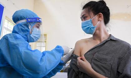 Diễn biến 'nóng' vụ cô giáo được tiêm liên tiếp 2 mũi vắc xin Covid-19