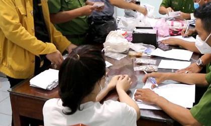 Nữ nhân viên 28 tuổi trộm 2.380 nhẫn vàng của tiệm vàng bị khởi tố