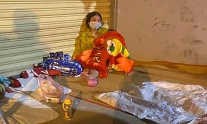 Gia đình 5 người F0 khỏi bệnh chạy xe máy về Thanh Hóa, sản phụ chuyển dạ sinh non giữa đường