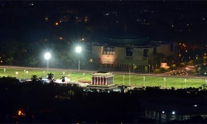 Khoảnh khắc Hà Nội khác lạ về đêm